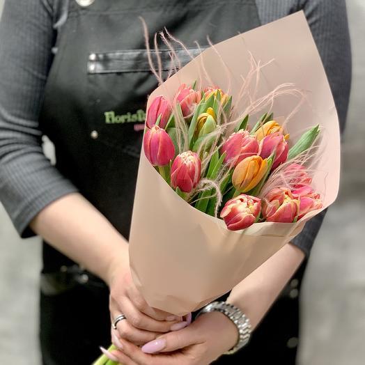 Букет Тюльпанов с нежной стифой