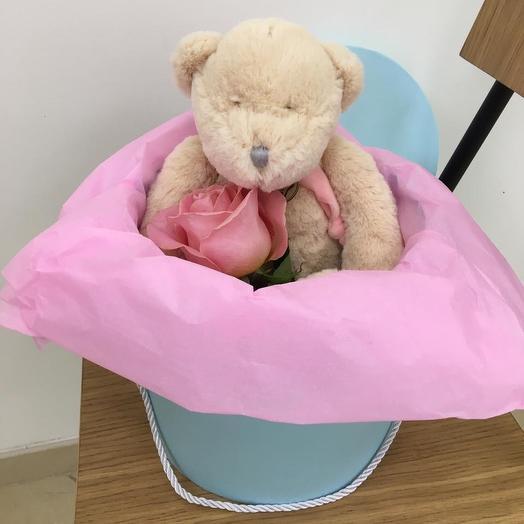 Медвежонок Тедди: букеты цветов на заказ Flowwow