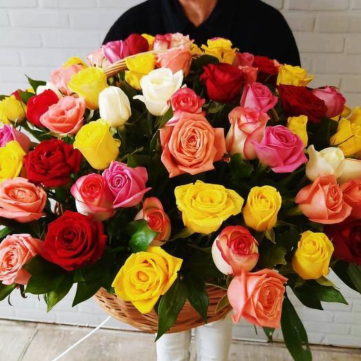 Большая корзина роз 101 шт микс: букеты цветов на заказ Flowwow
