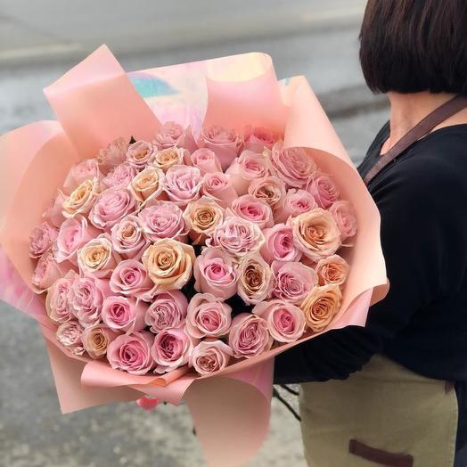 Букет из микса нежных роз