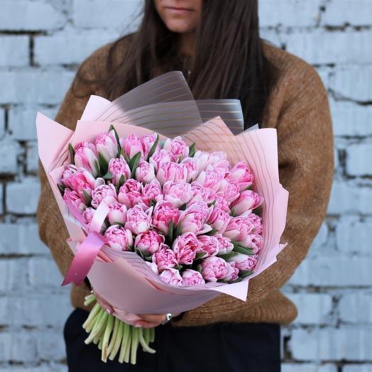 Пионовидные нежно-розовые тюльпаны