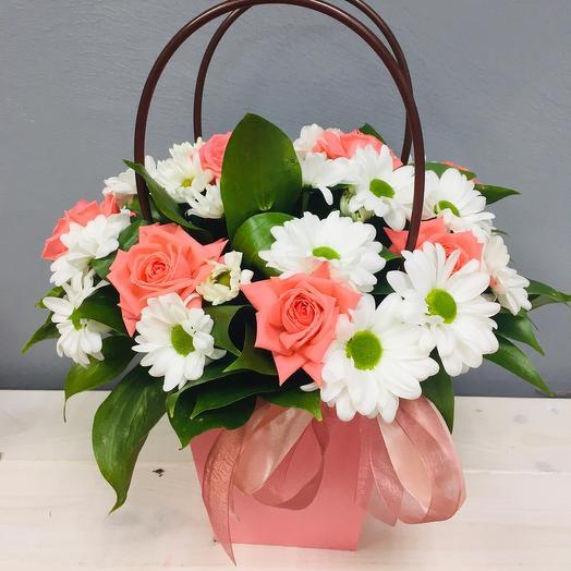 Handbag with flowers