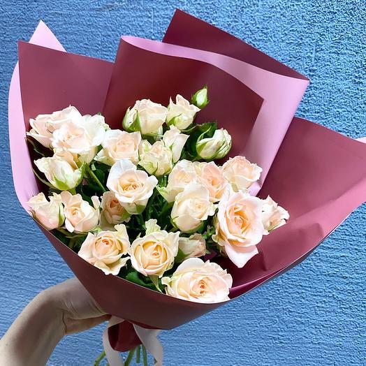 Аромат кустовых роз