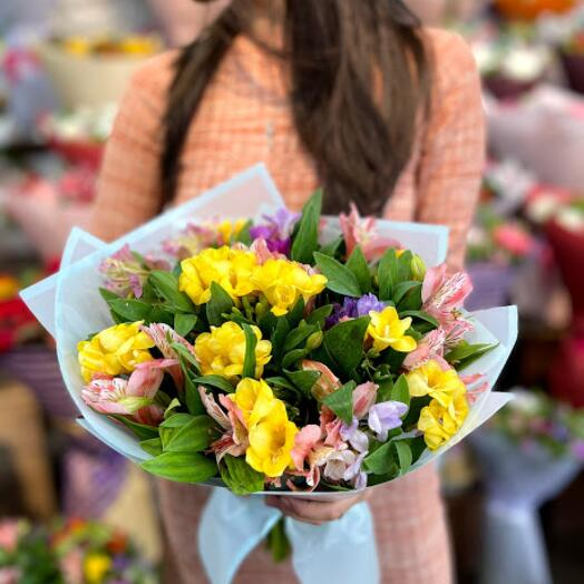 Aromatic buget of freesias and alstroemeria