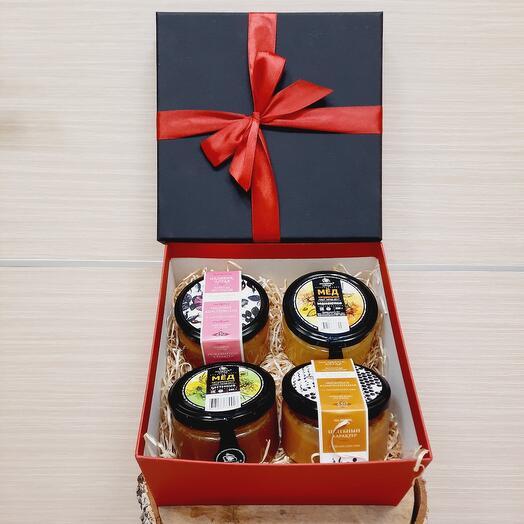 Коробка с вкусным Алтайским мёдом