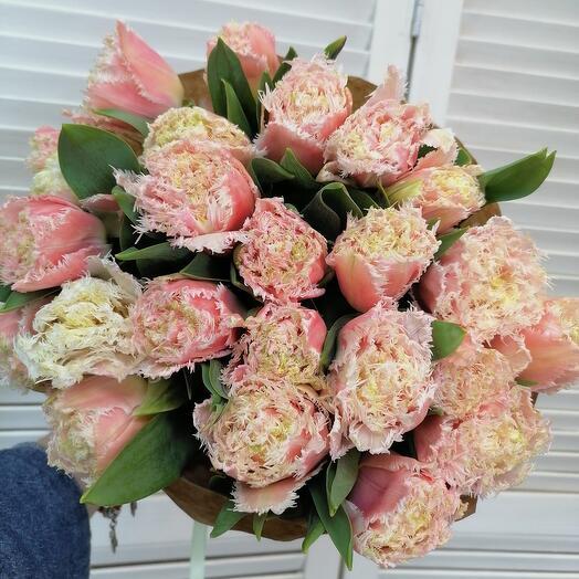 25 сортовых тюльпанов в крафте 🤩