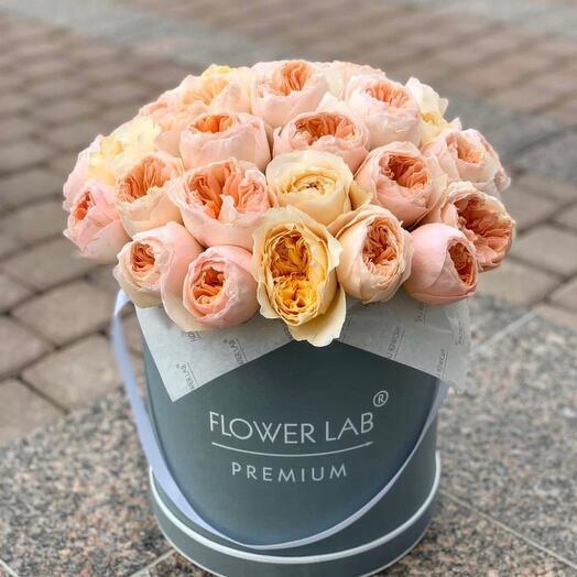Цветы в коробке Розы Дэвида Остина