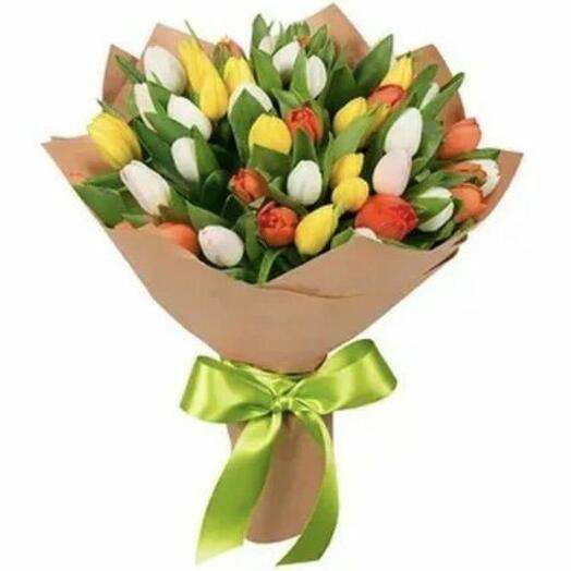 Букет из 35 разноцветных  Тюльпан