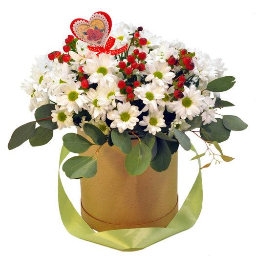 Букет в коробке Ромашки: букеты цветов на заказ Flowwow
