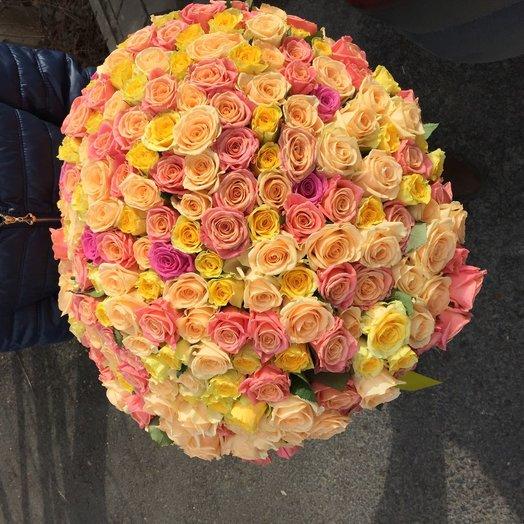 Букет из 265 роз: букеты цветов на заказ Flowwow