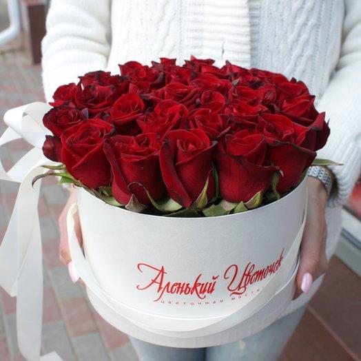 Классический букет в шляпной коробке: букеты цветов на заказ Flowwow
