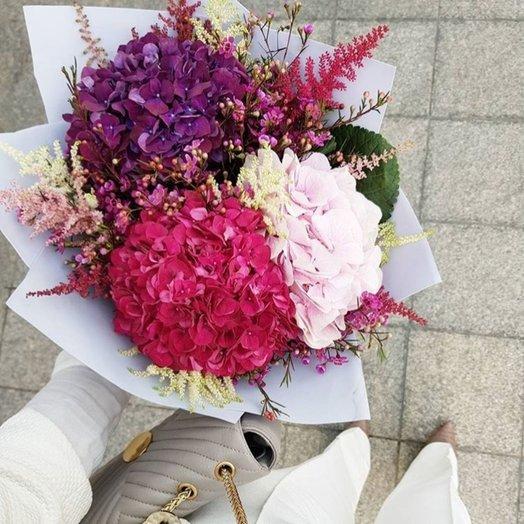 Гортензия и астильба: букеты цветов на заказ Flowwow