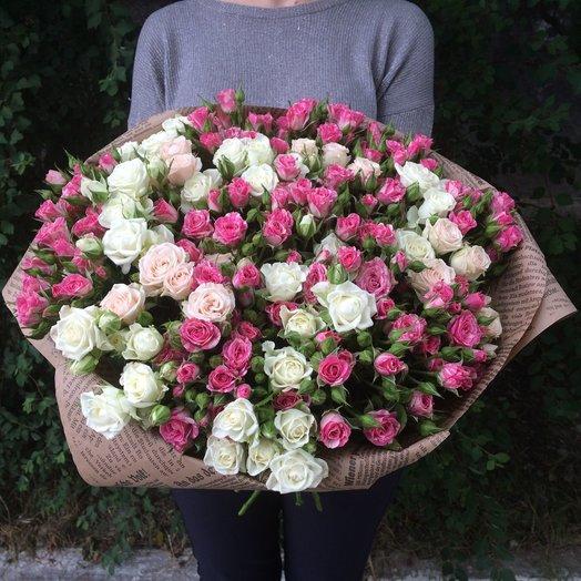 27 веток кустовых роз