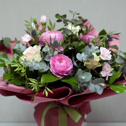 Букет с ранункулюсами и розой: букеты цветов на заказ Flowwow