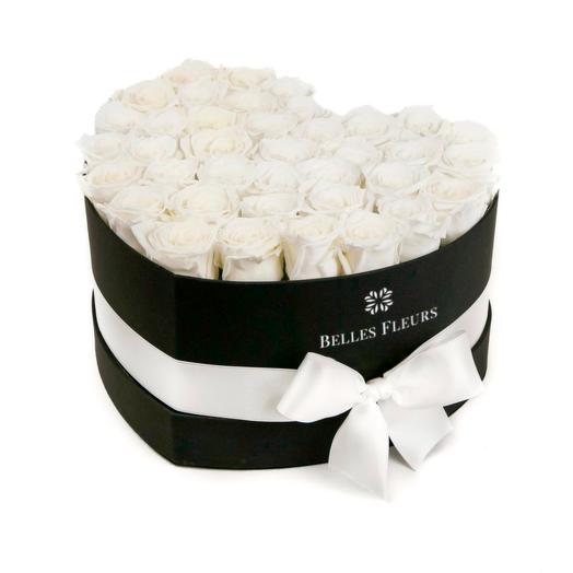 Букет вечных белых роз в коробке Love: букеты цветов на заказ Flowwow