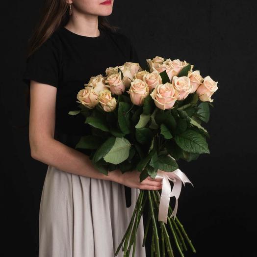 Роза кремовая 25
