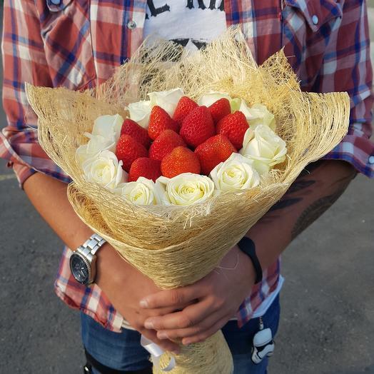 Букет из роз с клубникой: букеты цветов на заказ Flowwow