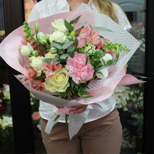 """Букет роз и эвкалипта """"Нежный аромат"""""""