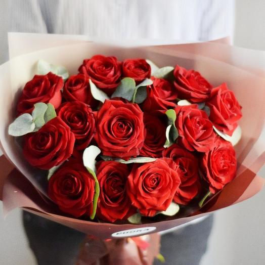 Букет из 17 красных роз: букеты цветов на заказ Flowwow