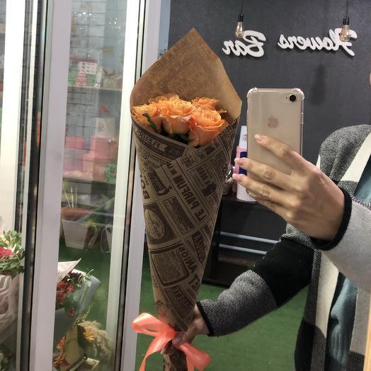 5 карамельных роз в крафте