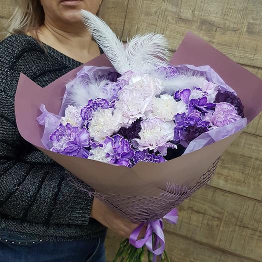 Шикарная гвоздика в чудесном букете: букеты цветов на заказ Flowwow