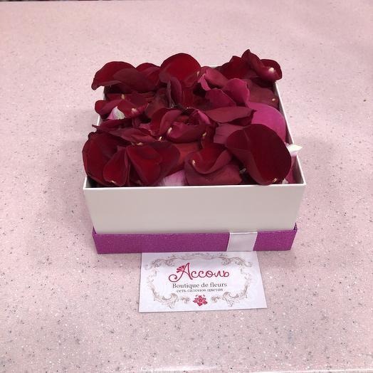Лепестки: букеты цветов на заказ Flowwow
