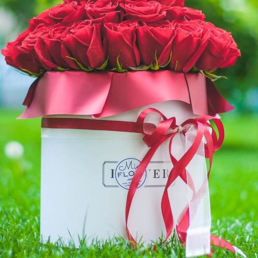 39 box of Dutch roses