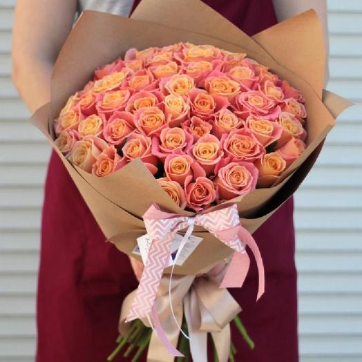 Букет из 45 роз Мисс Пигги: букеты цветов на заказ Flowwow