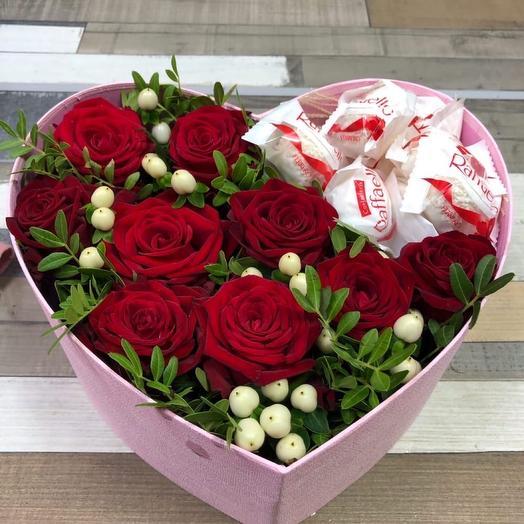 Цветы в коробке «Дела сердечные»