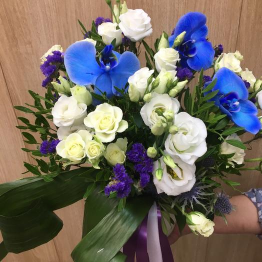 Цветы в коробке королевская орхидея