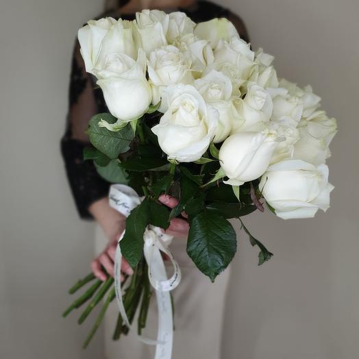 """Букет """"Ласковый май"""" из 25 белых роз"""