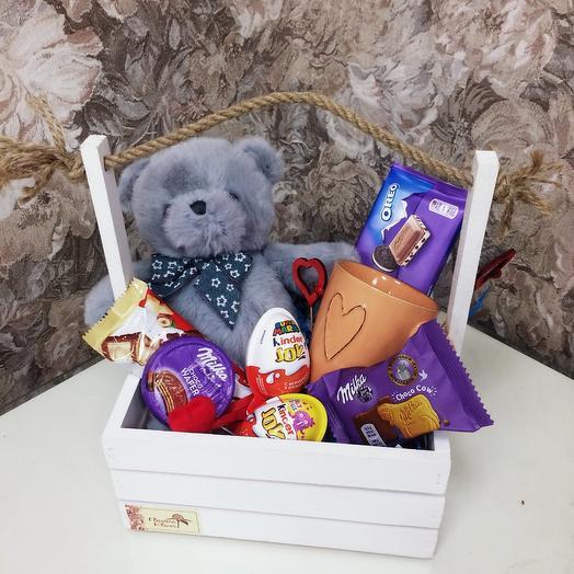 Подарочный набор с сладостями и плюшевым мишкой