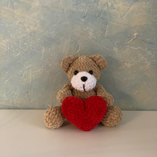 Мягкая игрушка с сердечком мишка