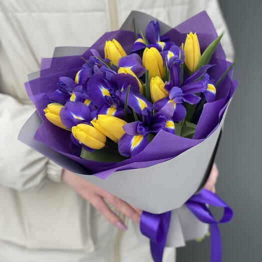 """Букет """"Фианит""""  ирисы и тюльпаны"""