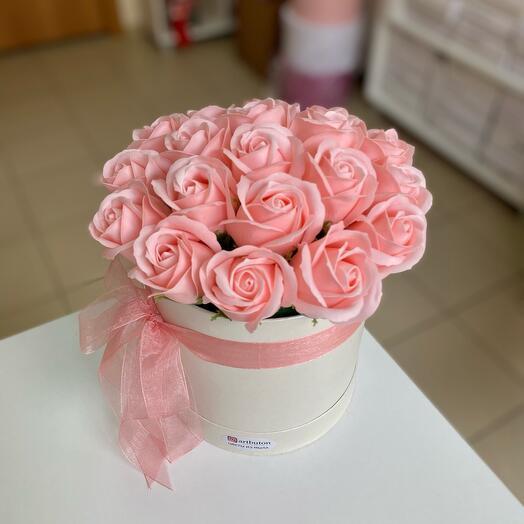 Розово-персиковые мыльные розы 19 шт
