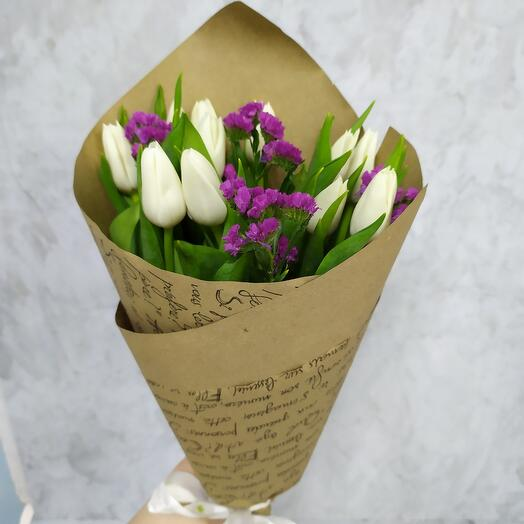 11 тюльпанов со статицей