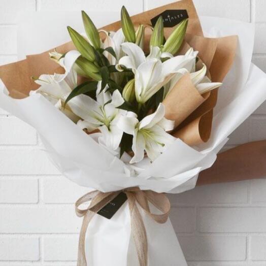 Букет «Лилии для любимой»