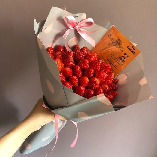 Букет сочной сладкой из клубники