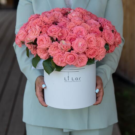 Букет из кустовой розы в шляпной коробке 23