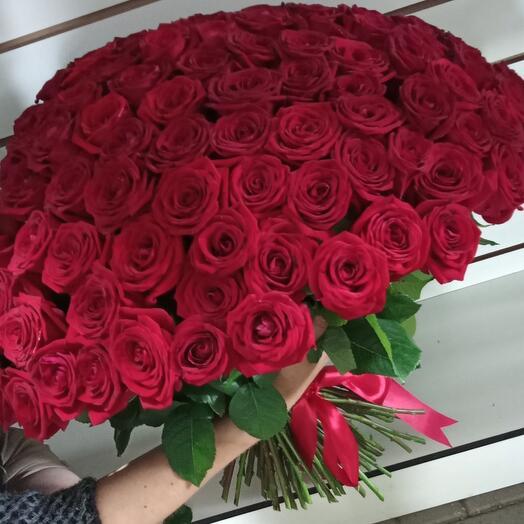 85 роз