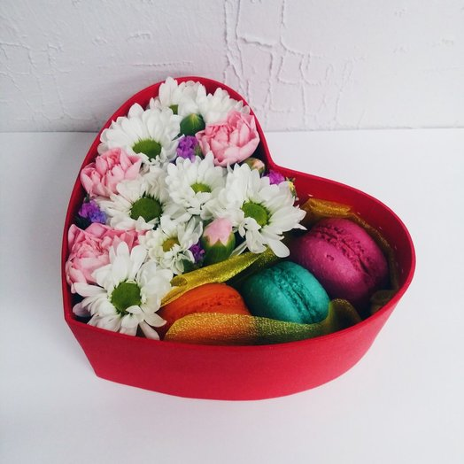 Коробочка с цветами Сердце: букеты цветов на заказ Flowwow