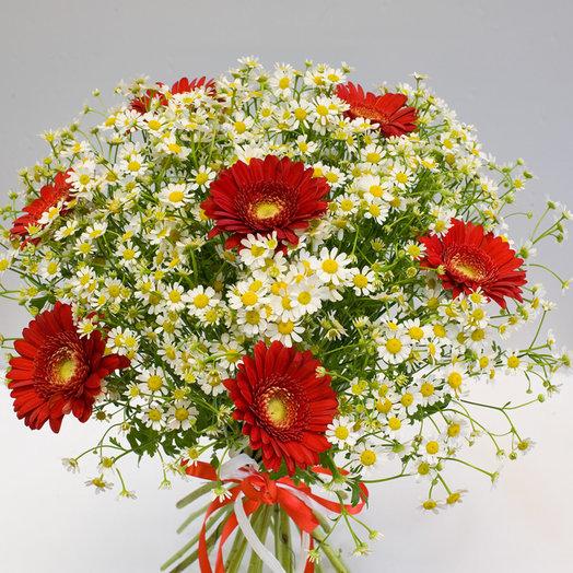 Букет из гербер и ромашек Полевые цветы: букеты цветов на заказ Flowwow