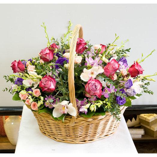 Корзина цветов Ультрафиолетовая
