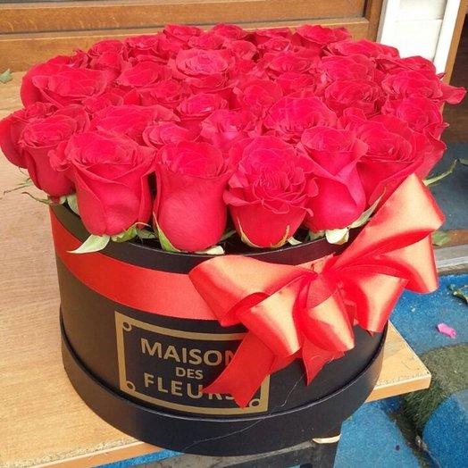 большая черная коробка Maison Des F eurs из 51 красных роз
