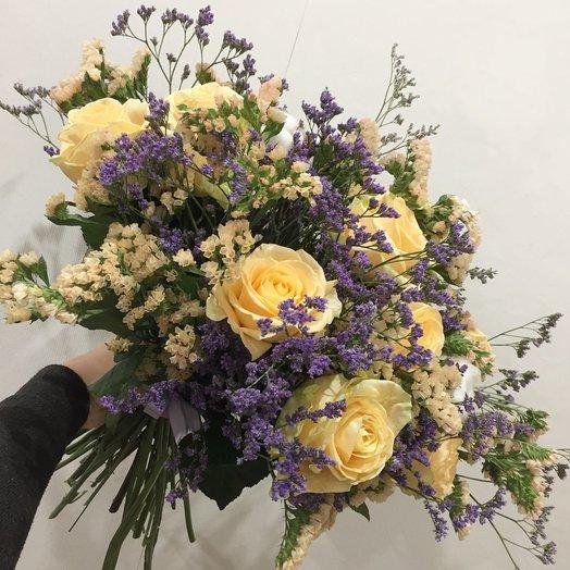 Персиковый пышный букет: букеты цветов на заказ Flowwow