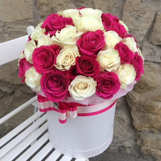 Шляпная коробка из  51 розы импортной розы: букеты цветов на заказ Flowwow