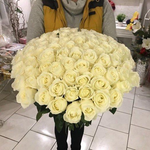 Белый праздник: букеты цветов на заказ Flowwow