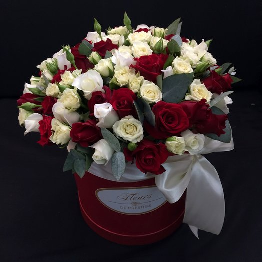 Box in classic style: flowers to order Flowwow
