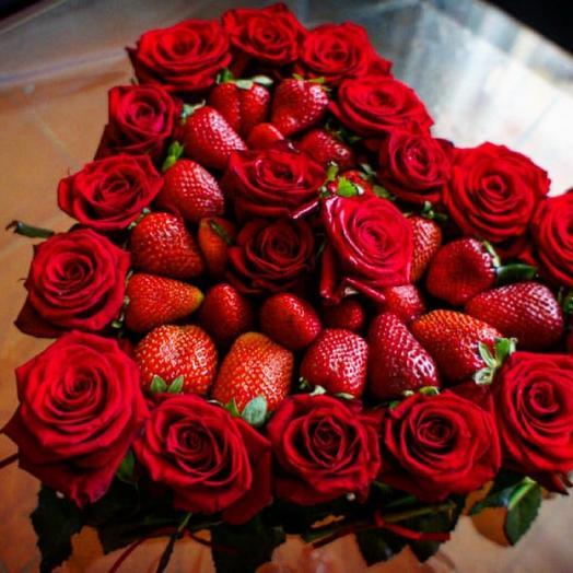 Клубничное сердце: букеты цветов на заказ Flowwow