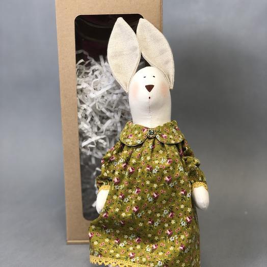 Зайчик в зеленом платье: букеты цветов на заказ Flowwow